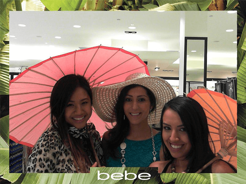 Social Media Marketing Agency Fashion Retail Campaign With 3 Women Smiling
