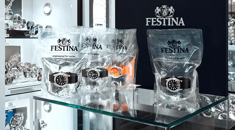 eCommerce Packaging Design Festina Watches in Bags of Water